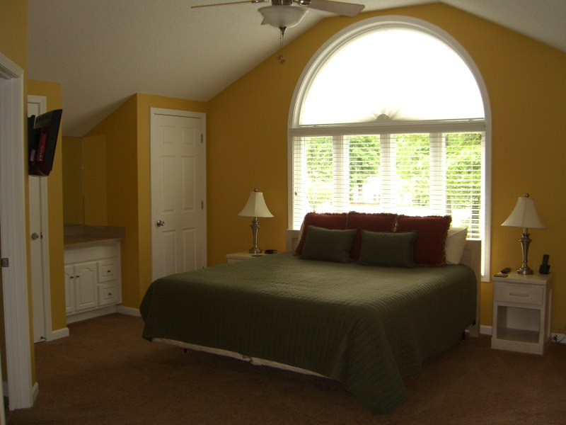 Green Turtle Bay Condo Bedroom