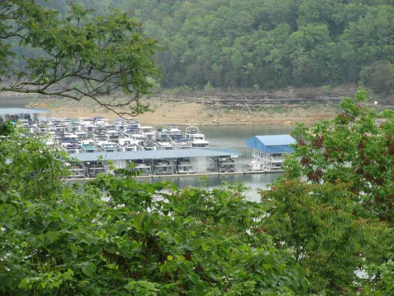 Houseboat Capital of the World: Lake Cumberland