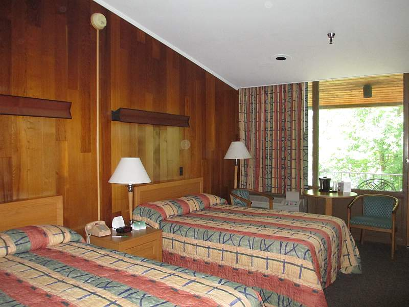 Rough River Dam State Resort Park Lodge Room
