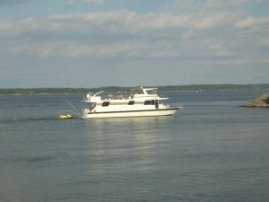 Kentucky Lake Houseboat
