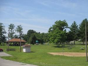 Picnic Area at Rough RIver Dam State Resort Park