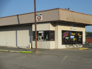 Dave's Sticky Pig BBQ Restaurant in Madisonville