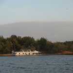 Houseboat on Rough River Lake