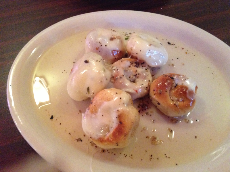Garlic Knots with Mozzarella Cheese