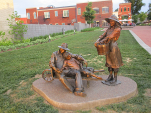 Smothers Park Owensboro Statue