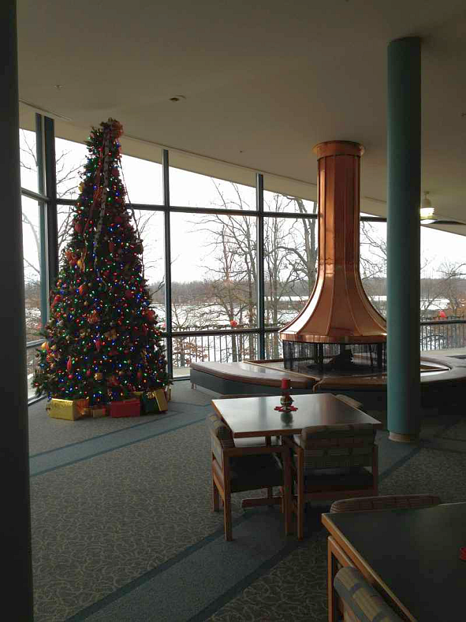 Kentucky Dam Village State Resort Park Christmas Tree