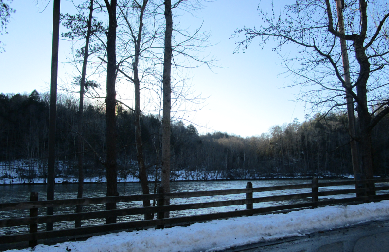 Cumberland Falls State Resort Park in Winter