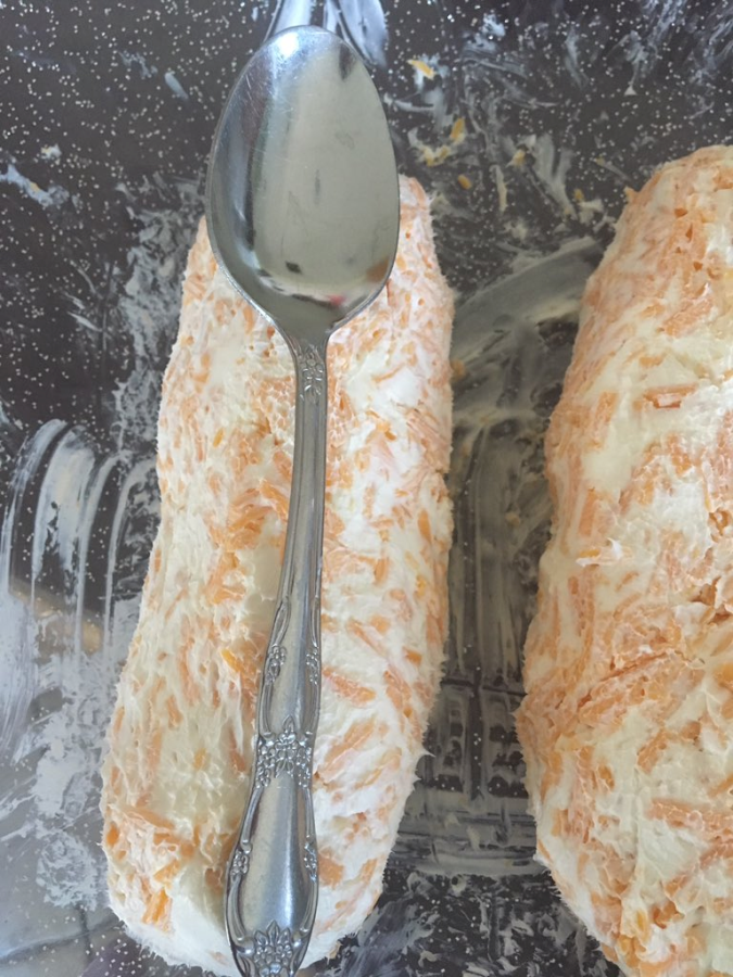 Cheese Logs without Almonds